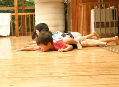斎藤公子,リズムあそび,子ども,遊び,両生類